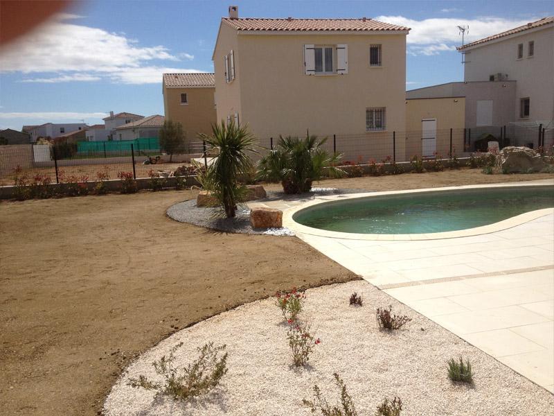 projet de r alisation d 39 un jardin paysag autour d 39 une piscine les jardins de la tarasque les. Black Bedroom Furniture Sets. Home Design Ideas