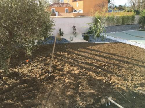 préparation terrain gazon en plaque avec arrosage